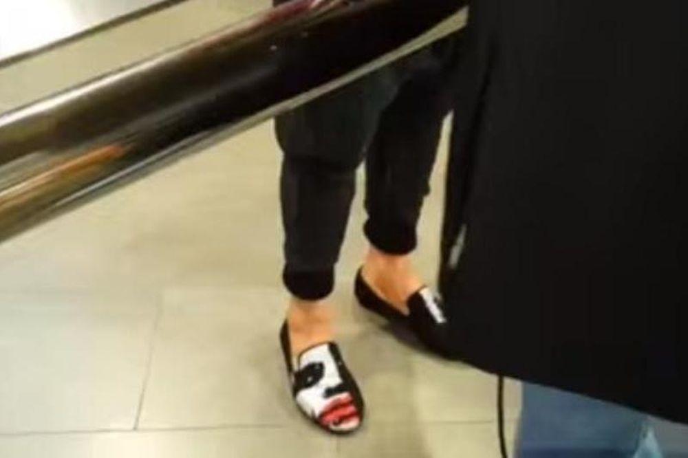 Βραβείο χειρότερων… παπουτσιών ο Ντάνι Άλβες! (video)
