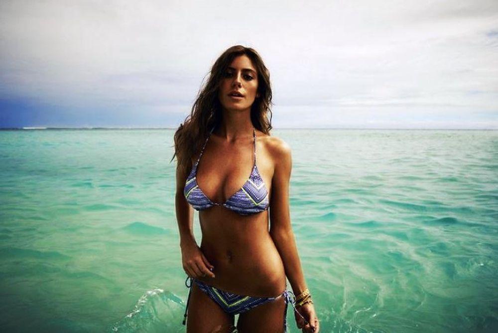 Το αδιανόητο topless της Αλεχάντρα! (photos)