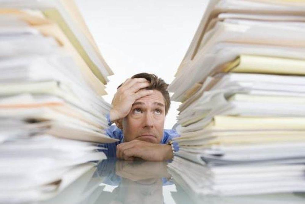 Paperless office: Το χαρτί εξακολουθεί να γεμίζει τα γραφεία σε επιχειρήσεις και δημόσιο