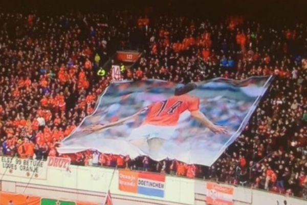Δάκρυσε το Άμστερνταμ για τον Κρόιφ! (video, photos)