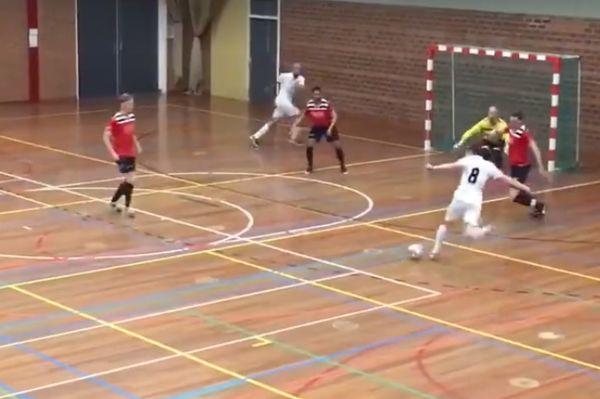 Δεν… υπάρχει αυτή η γκολάρα στο ποδόσφαιρο σάλας! (video)