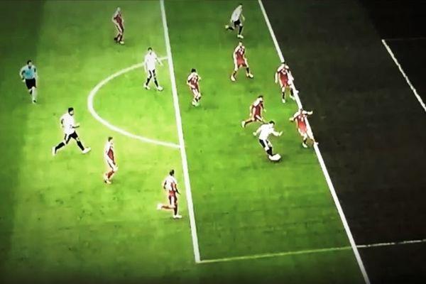 Ούτε στην Ελλάδα τέτοιο offside! (video)