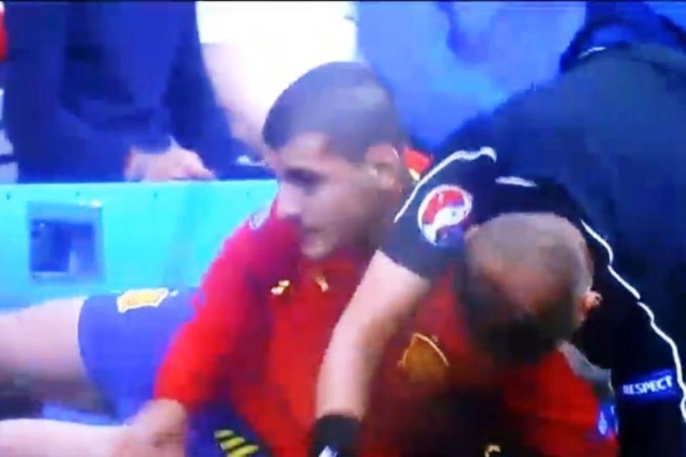 Euro 2016: Απίστευτο τάκλιν του Μοράτα στον επόπτη (video)