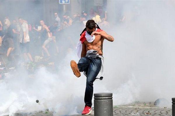 Euro 2016: Εμετικό βίντεο - Ρώσοι κλωτσούν γυναίκα! (video)