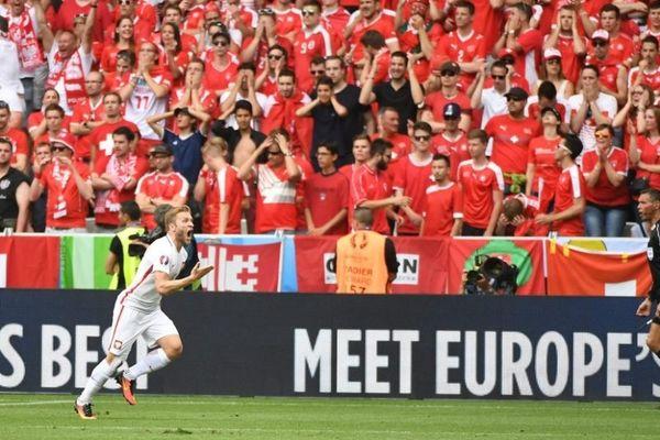 Euro 2016: Ελβετία – Πολωνία 1-1 (4-5 πεν.): Νίκησαν στην ρουλέτα!