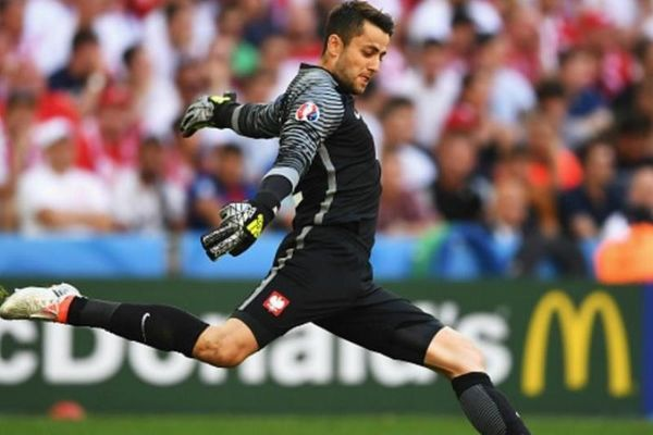 Euro 2016: Απίστευτη απόκρουση στην παράταση του Φαμπιάνσκι! (video)