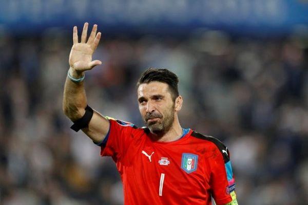Euro 2016: Έκλαψε ο Μπουφόν για τον αποκλεισμό (video)