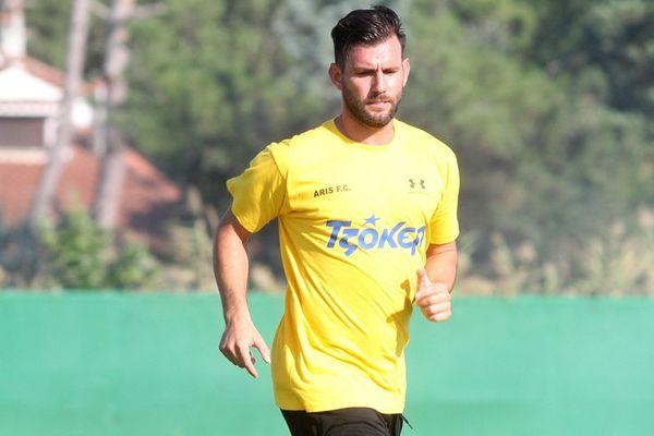 Άρης: Συνεχίζει ο Ρόβας στην Football League