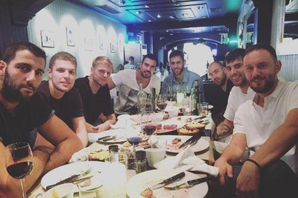 Στο ίδιο τραπέζι Παναθηναϊκός Superfoods και Ολυμπιακός! (photo)