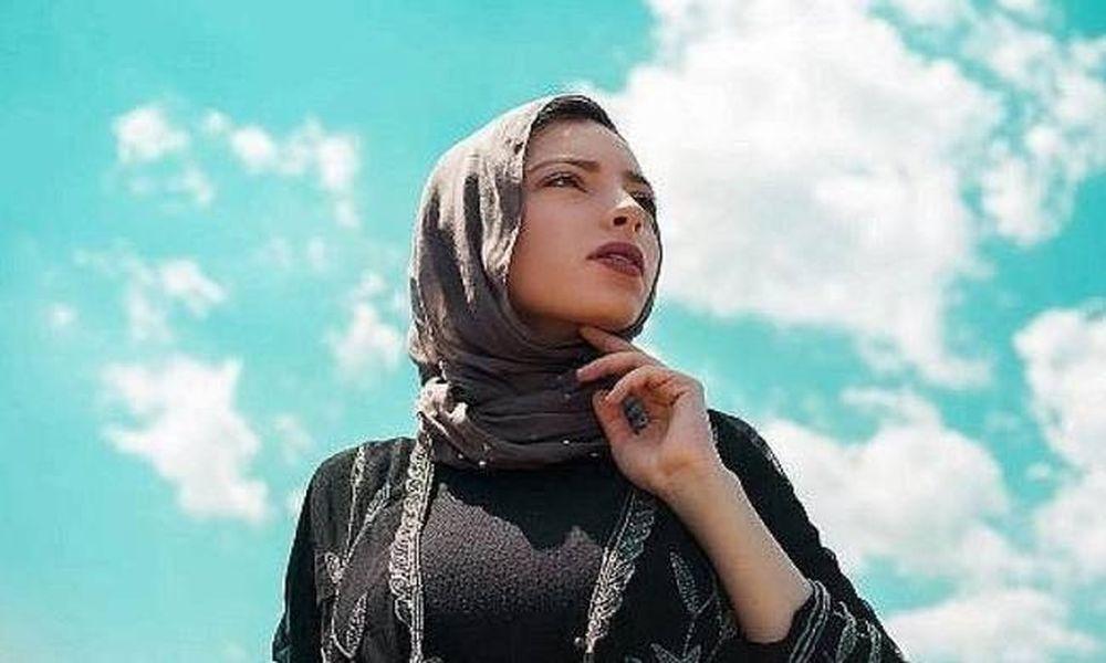 Μια μουσουλμάνα με μαντήλα στις σελίδες του περιοδικού Playboy (video+photos)