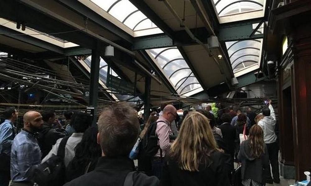 Χάος στο Νιου Τζέρσεϊ – Τρένο έπεσε σε σταθμό – Δεκάδες τραυματίες