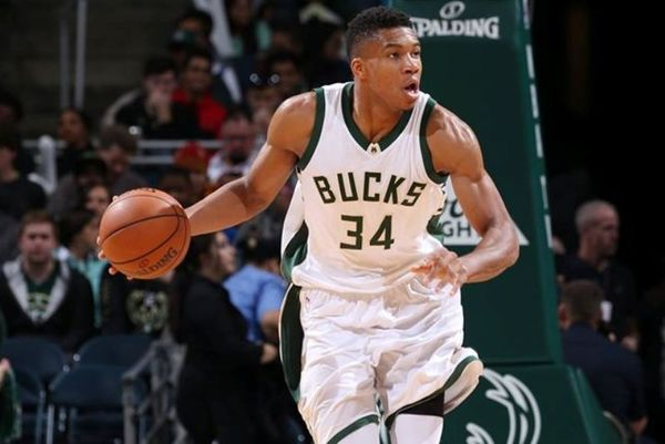 NBA: Νέο… σόου Αντετοκούνμπο, πρώτη νίκη για Μπακς (videos)