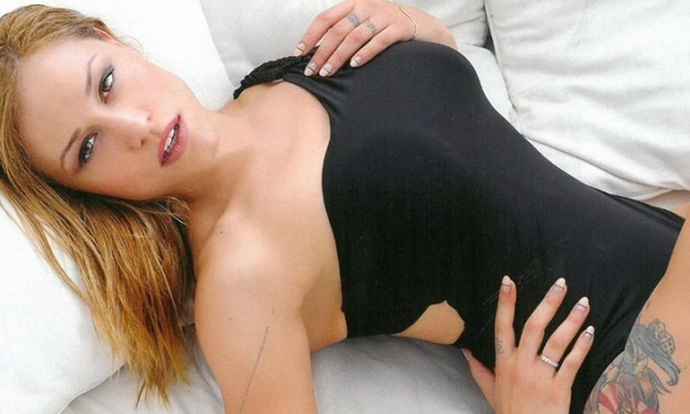Η Πηνελόπη Αναστασοπούλου είναι ο ορισμός του sex symbol