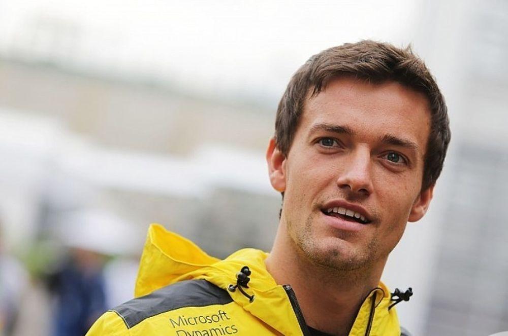 Συνεχίζει στη Renault ο Πάλμερ