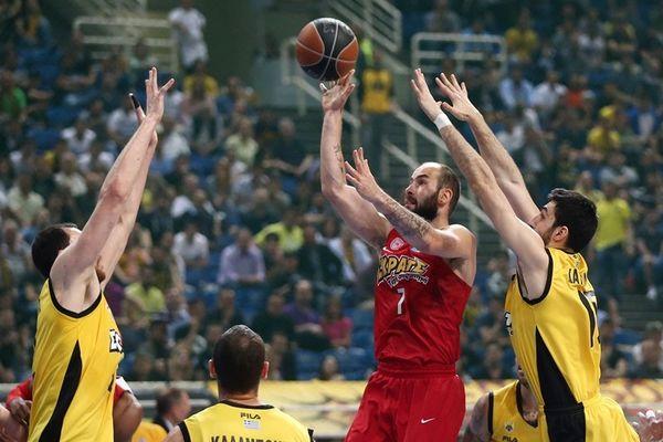 Ολυμπιακός-ΑΕΚ στο μπάσκετ & η απονομή του τίτλου στην Formula 1 στην COSMOTE TV