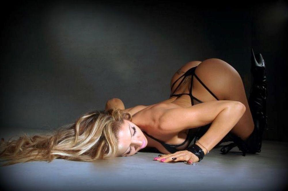 Η ελληνίδα χορεύτρια που γονάτισε το Instagram (pics)