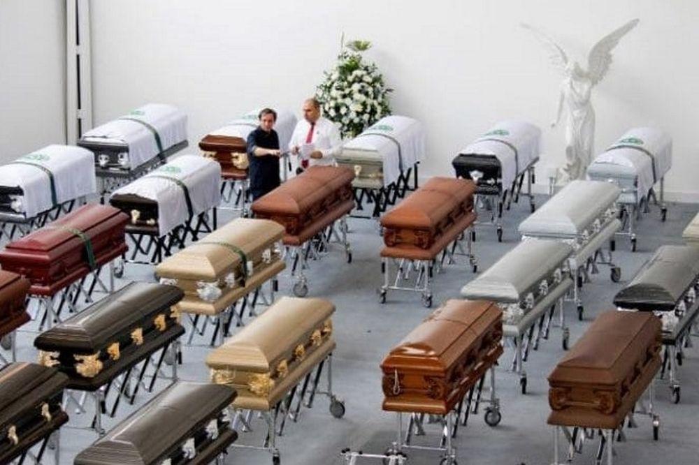 Χιλιάδες κόσμου τίμησαν τα θύματα της Σαπεκοένσε