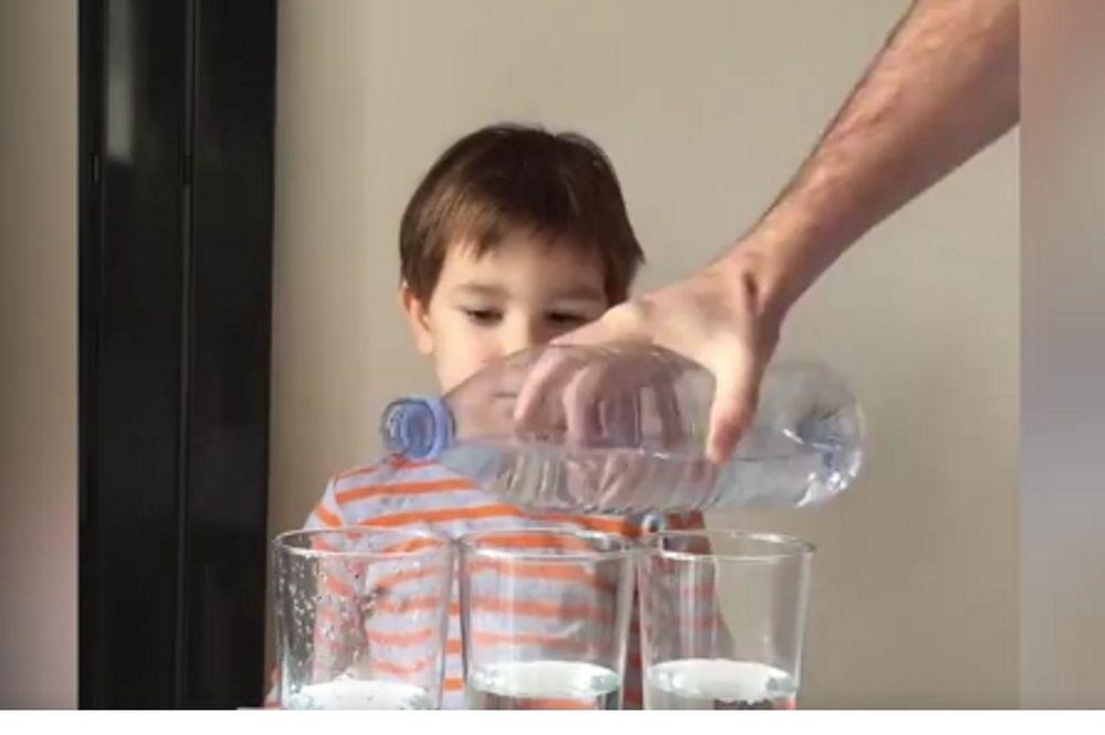 Πώς να κρατήσετε τα παιδιά σας απασχολημένα για ώρες (vid)