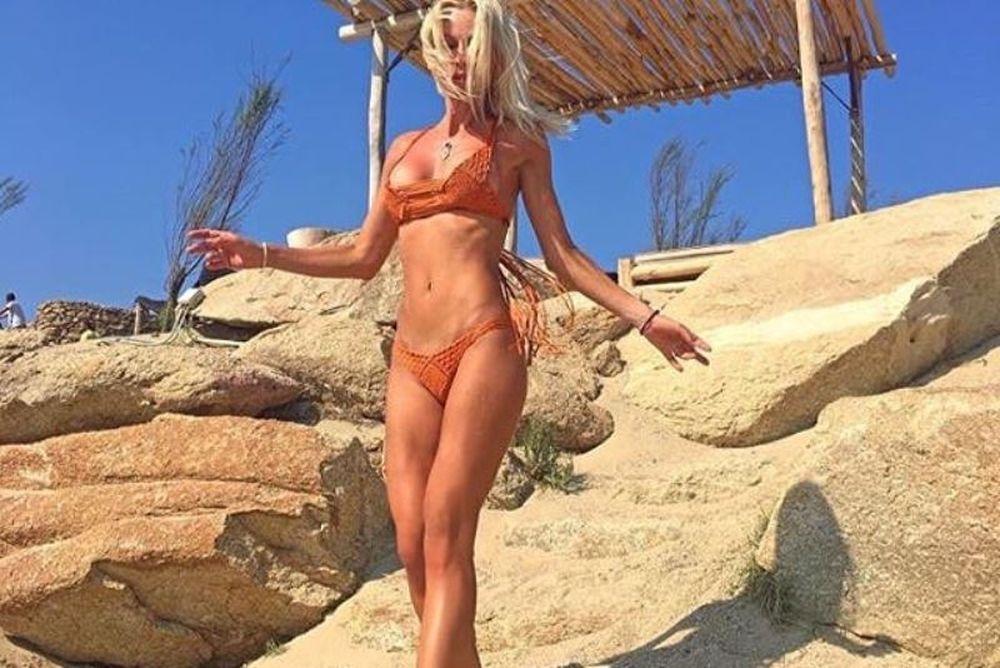 ΚΟΛΑΣΗ! Επικό… άνοιγμα από Ελληνίδα MILFάρα διέλυσε το Instagram (photos)