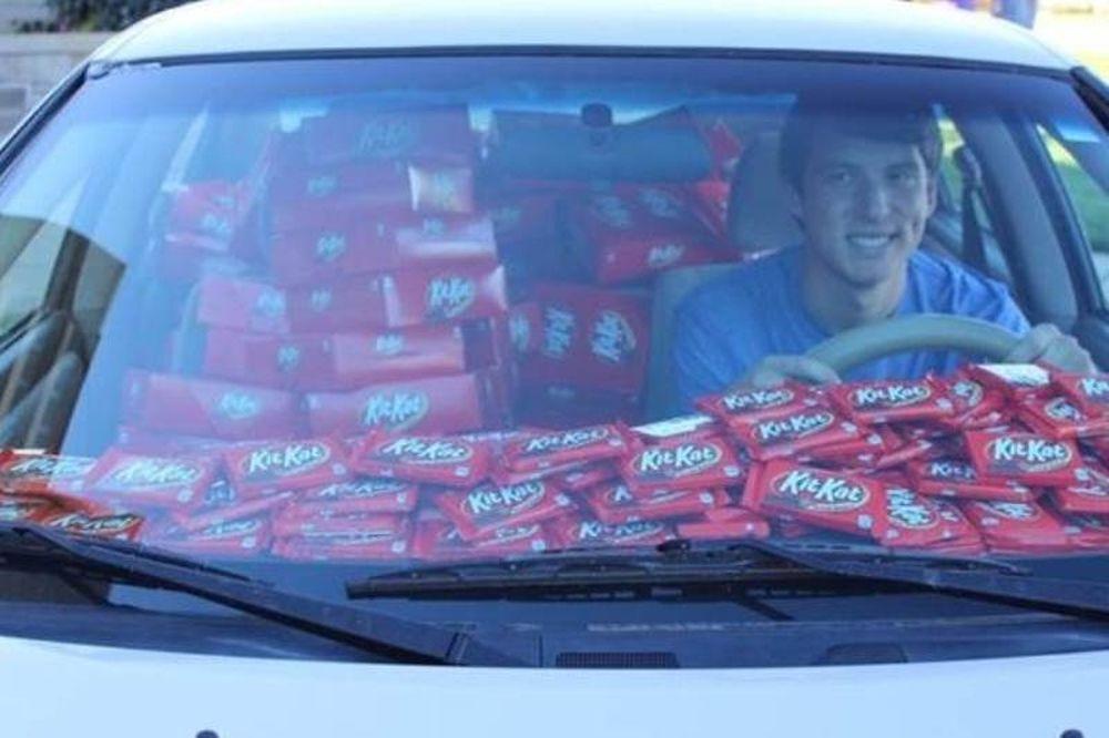 Του έκλεψαν μία Kit Kat και δες πόσες πήρε για δώρο! (video+pics)