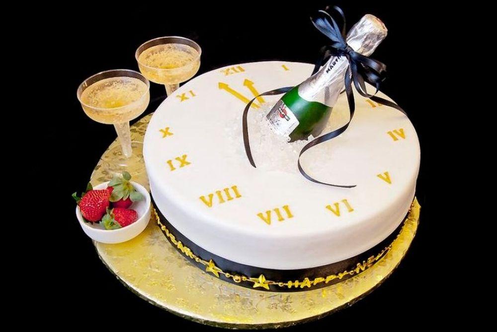 Μεγάλο… δίλημμα! Κέικ ή τσουρέκι η Βασιλόπιτα; (photos)