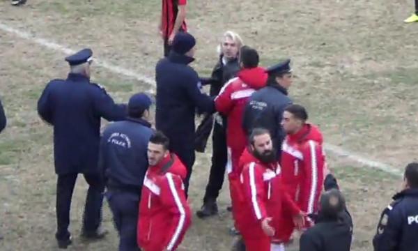 Επικό ξέσπασμα Έλληνα προπονητή!