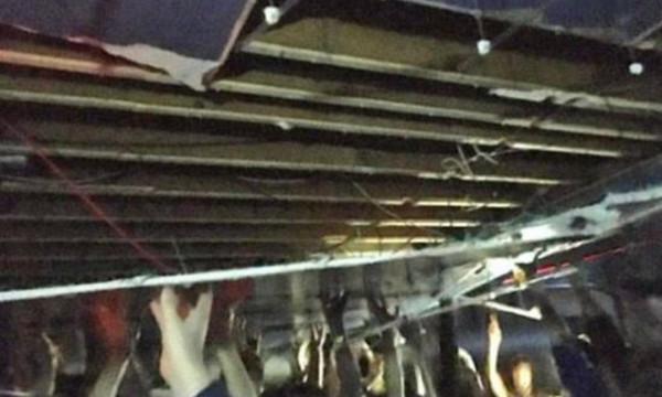 Απίστευτο: Έπεσε η οροφή σε κλαμπ του Μάντσεστερ και οι άνθρωποι την κράταγαν με τα χέρια τους!