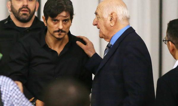 Στο ξενοδοχείο ξανά ο Γιαννακόπουλος, δεν ξεκινάει το ματς…