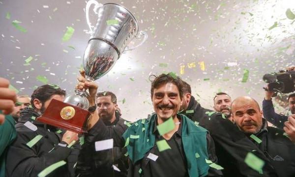 Το πανηγύρισε με την οικογένειά του ο Δ. Γιαννακόπουλος (vid+pic)