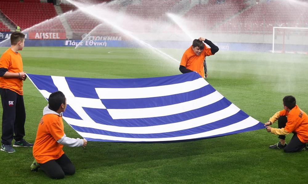 Εθνική: Πτώση τριών θέσεων στην κατάταξη της FIFA