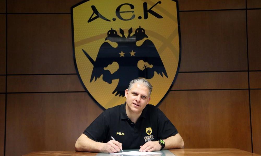 ΑΕΚ: Έγινε… πρώτος προπονητής ο Μανωλόπουλος