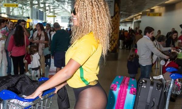 Τα οπίσθια που «απογείωσαν» ένα ολόκληρο αεροδρόμιο!