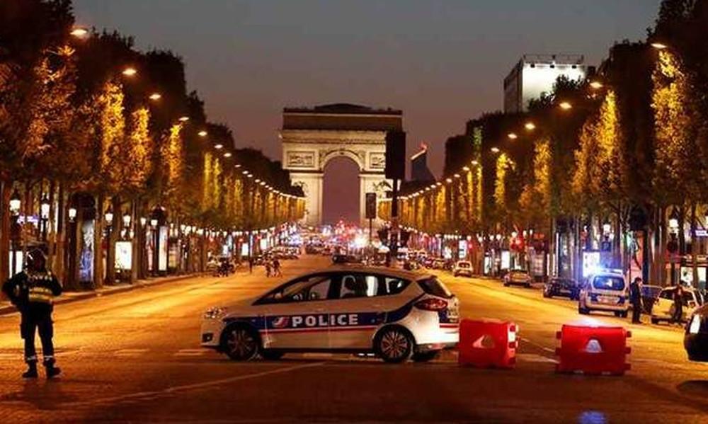 Πυροβολισμοί στο Παρίσι - Ένας αστυνομικός νεκρός (pics+vids)