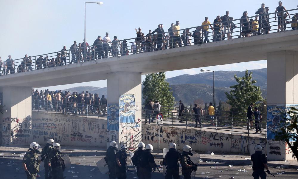 ΠΑΟΚ-ΑΕΚ: Γιατί η αστυνομία δεν μπορεί να σταματήσει το ξύλο στην αερογέφυρα