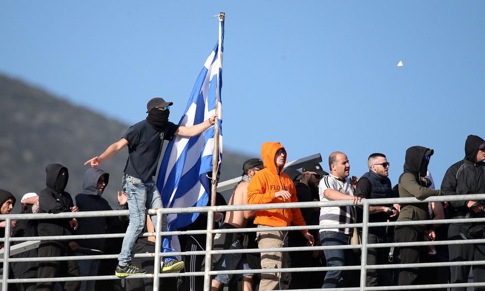 ΠΑΟΚ-ΑΕΚ: Επιτέλους και μια ειρηνική φωτογραφία μεταξύ οπαδών ΑΕΚ και ΠΑΟΚ!