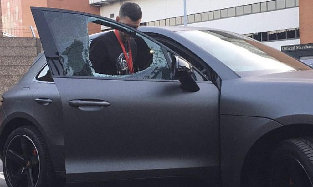 Σοκ: Άγνωστοι επιτέθηκαν στο αμάξι του Κοουτίνιο!