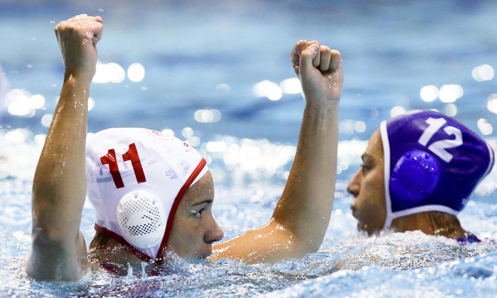 Πόλο: Το σήκωσαν τα κορίτσια του Ολυμπιακού