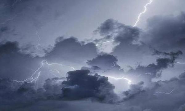 Καιρός: Ξαφνικά φθινόπωρο με βροχές και καταιγίδες - Πού θα χτυπήσει η κακοκαιρία