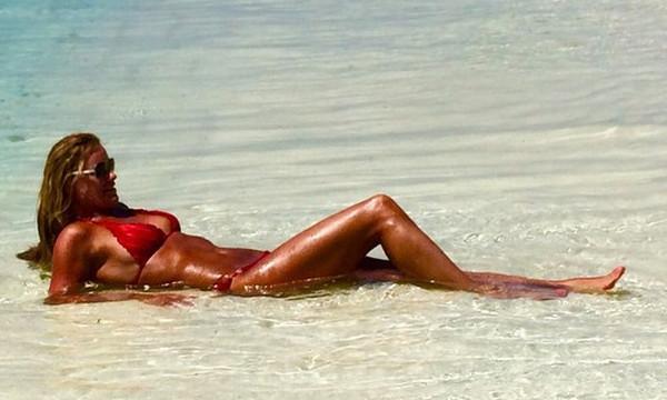 Survivor: Χρυσή Ολυμπιονίκης της Αθήνας τα πετάει όλα και μένει γυμνή!