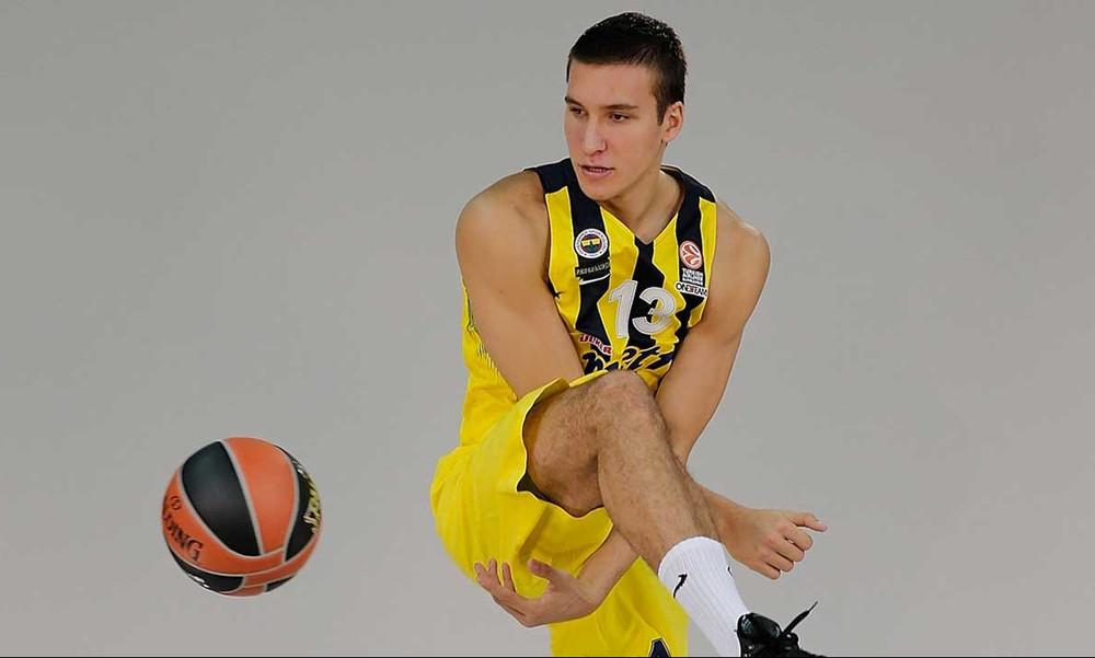 Και ο Μπόγκνταν Μπογκντάνοβιτς στη Σύρο!