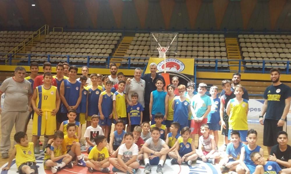 Πρεμιέρα με καλεσμένο τον Ζούρο στο West Side Basketball Camp!