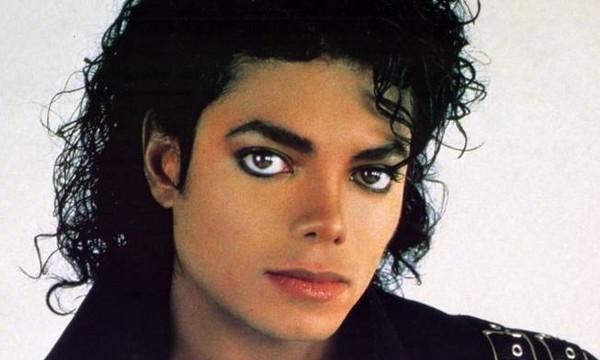 Σαν σήμερα το 2009 «έφυγε» ο βασιλιάς της ποπ Μάικλ Τζάκσον