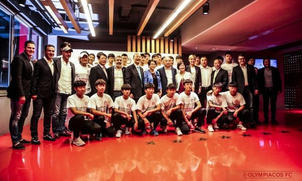 Ολυμπιακός: Επίσημο δείπνο και φιλικός αγώνας με την Beijing Enterprice FC U17 (photos+videos)