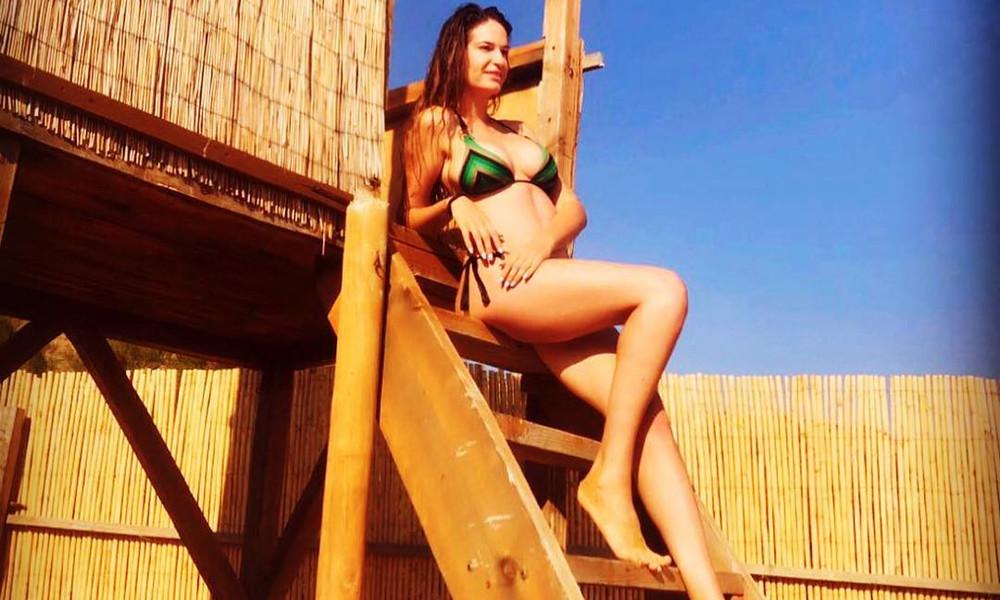 Το καυτό καλοκαίρι της Εύας Λάσκαρη!