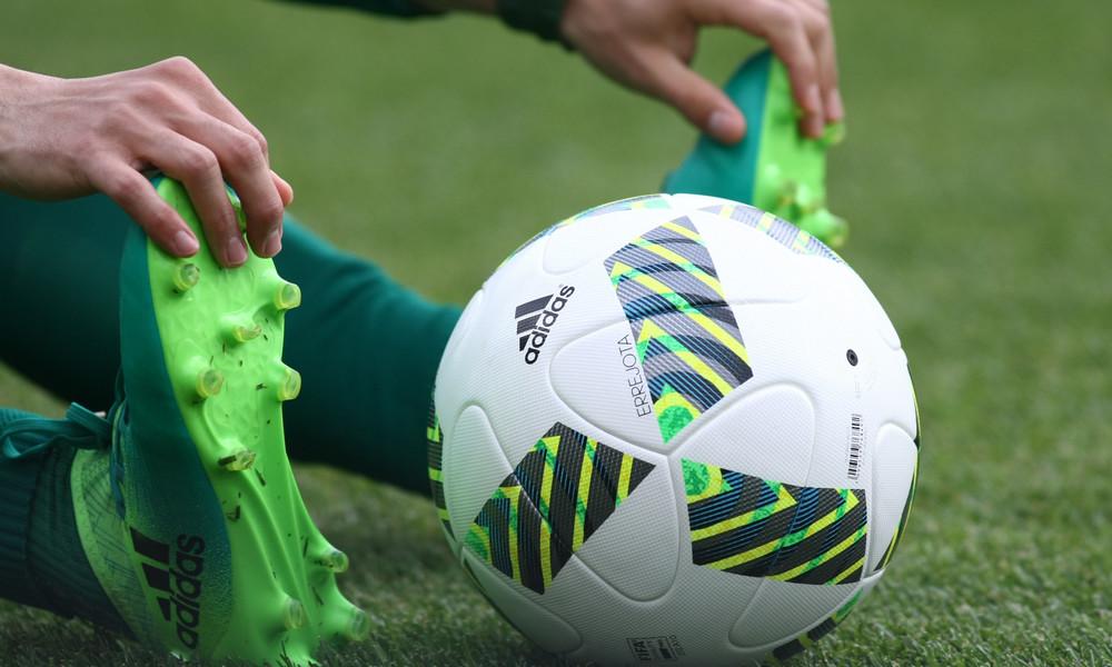 Στη σέντρα με νέα μπάλα (photos)