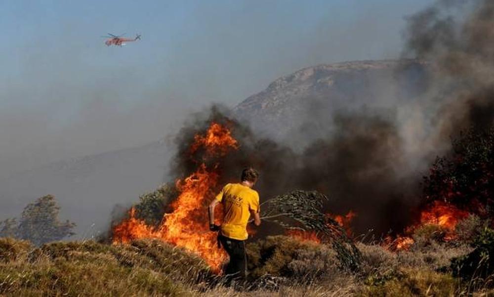 Φωτιά ΤΩΡΑ: Διπλό πύρινο μέτωπο στη Ζάκυνθο