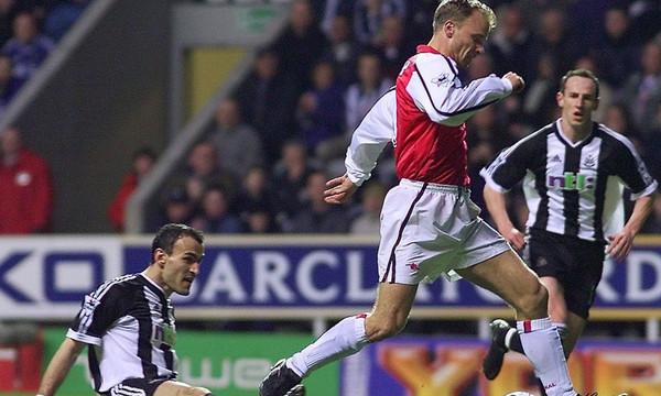 Ο Μπέργκαμπ το κορυφαίο γκολ στην ιστορία της Premier League