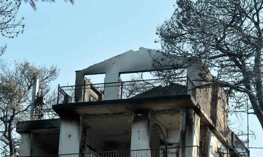 Φωτιά: Εικόνες αποκάλυψης από τα καμένα στην Αττική - Δεν έμεινε τίποτα όρθιο (pics)