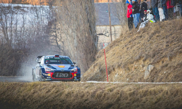 WRC Γερμανίας: Εγκατέλειψε ο Νέβιλ