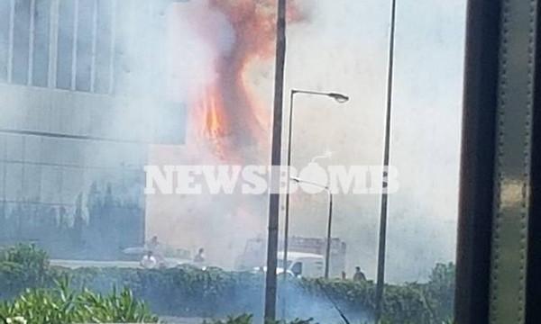Φωτιά ΤΩΡΑ στην Εθνική Οδό Αθηνών - Λαμίας